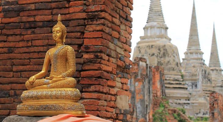 Boeddhabeeld excursie ayutthaya