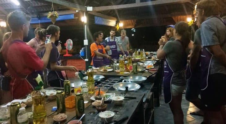 ao nang thais leren koken