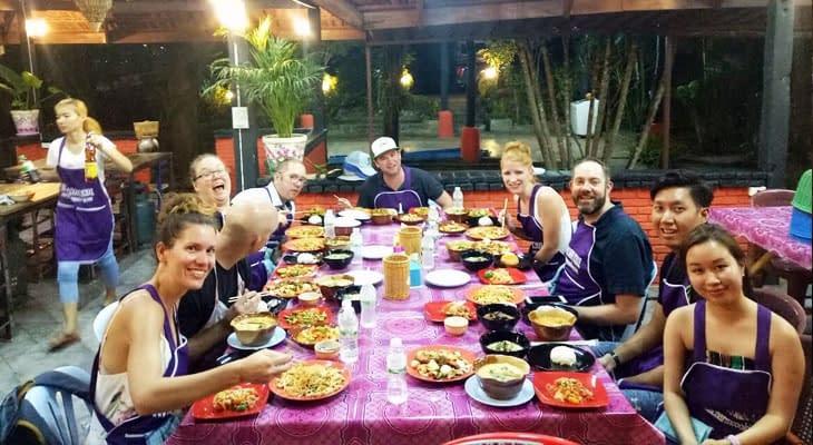zelf bereid eten opeten thai charm ao nang