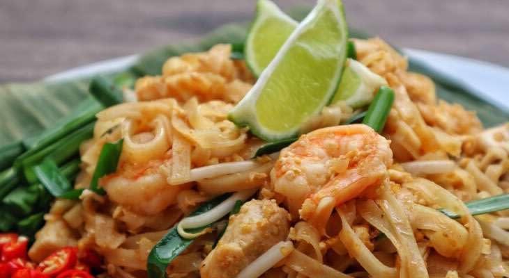 thais-buffet-james-bond-eiland-tour