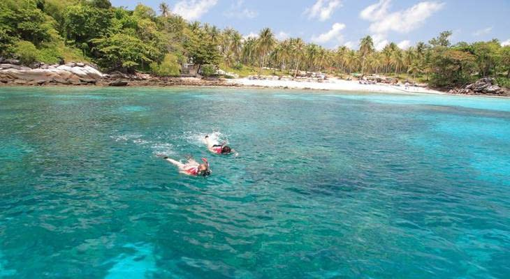 phuket-dagtrip-snorkelen-raya-coral-island (1)