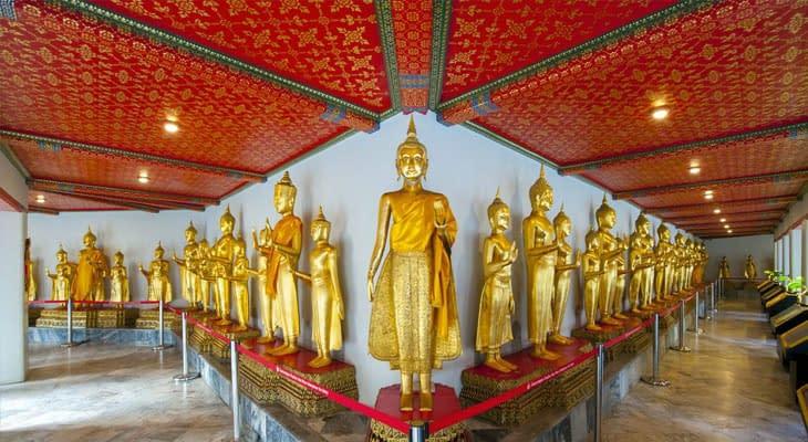 boeddhabeelden bij wat pho