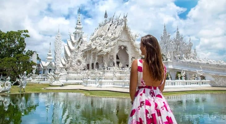 witte tempel wat rong khun chiang rai dagtrip