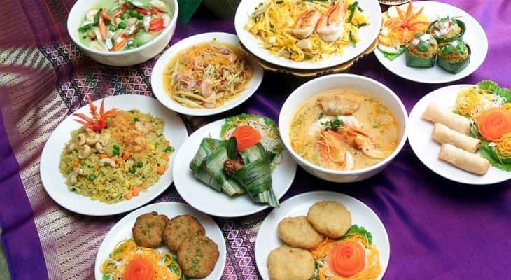 Thais lunchbuffet gouden driehoek excursie