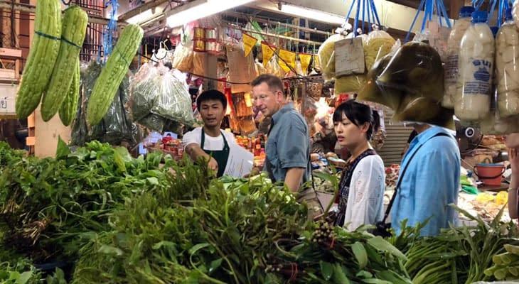 bezoek thaise markt khao yai tour